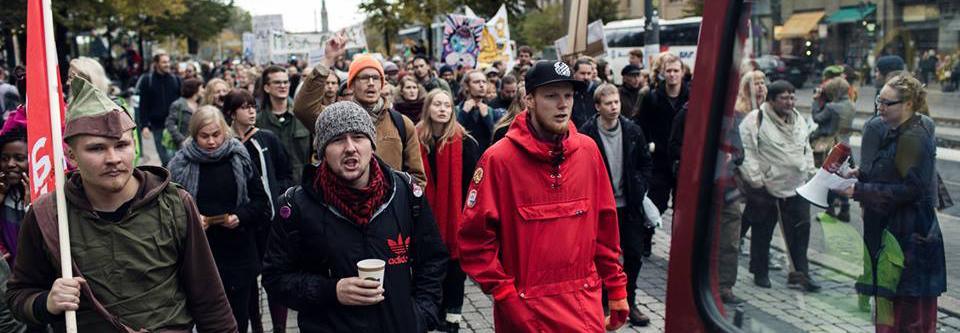 Henkka mielenosoituksessa
